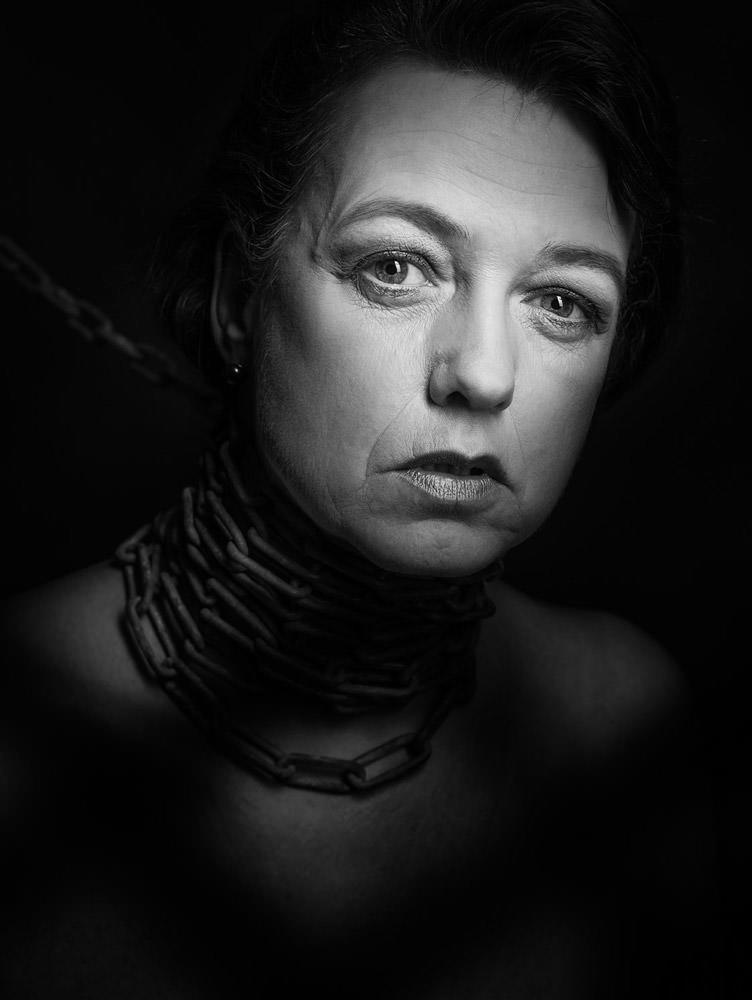 fotograf fotostudio bergisch gladbach portraitfoto schwarz weiss 0010 enric mammen fotografie. Black Bedroom Furniture Sets. Home Design Ideas